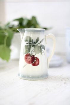 CHARMING. French vintage flowers pitcher. French by Passesimple, €36.00