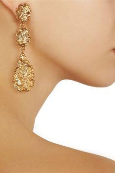Oscar de la Renta                                  Hammered gold-plated leaf clip earrings