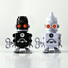 Salt & Pepper 'Bots - Wind Up Robot Condiment Set by Whisk Hampers