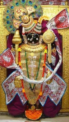 God images: Sangar darshan dwarkadish na Krishna Temple, Krishna Hindu, Shri Hanuman, Krishna Statue, Jai Shree Krishna, Cute Krishna, Radha Krishna Pictures, Lord Krishna Images, Radha Krishna Photo