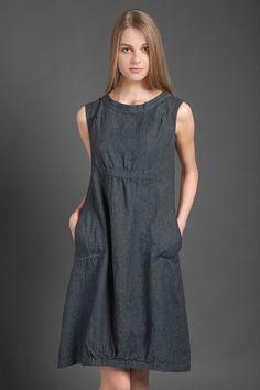 Vestido de lino puro vestido de gris oscuro para el verano