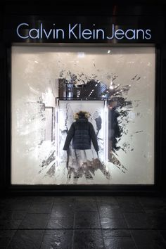 (A través de CASA REINAL) >>>>>  CALVIN KLEIN ICEBERGS by STUDIO XAG #retail #merchandising #window_display