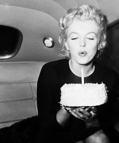Love this picture of Marilyn :)