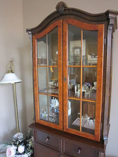 Who needs a dollhouse?! What a perfect way to display room collections!