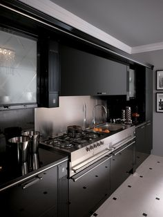 Fitted kitchen BACCARAT Scavolini Line by Scavolini design Gianni Pareschi Kitchen Styling, Kitchen Decor, Scavolini Kitchens, Fixer Upper Kitchen, Stools For Kitchen Island, Kitchen Trends, Black Kitchens, Interior Design Kitchen, My Ideal Home