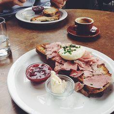 breakfast time | @designconundrum