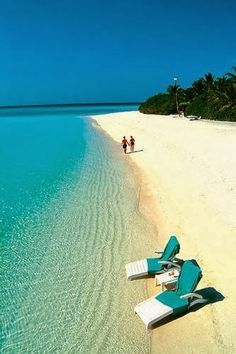 Just look at that water! Amazing. #paradise #beach #crystalclear #whitesand
