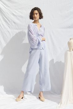 natural linen High waisted wide leg, ultimate sailor pant Relaxed fit, flattering in all the right places. Tie Dye Outfits, Fashion Catalogue, All About Fashion, Korean Fashion, Lounge Wear, Nice Dresses, Photoshoot, White Backdrop, Model
