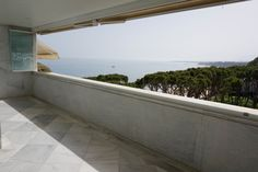Stand Inmobiliario Marbella - www.standmarbella.co.uk  LUXURIOUS 3 bedroom penthouse #apartment ON the #beach front in #Marbella centre. Offers fantastic features including a Turkish bath & terrace with private heated pool and high quality wooden sink & BBQ area. The apartment offers direct beach access & the urbanisation offers 24hr security & both an outdoor pool & heated covered pool for residents enjoyment. Contact our team for more information on this EXCEPTIONAL property: R2704319