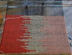 """3 and 4 color clasp weft weaving"" HAH! I knew double clasp weft weaving was a thing!"