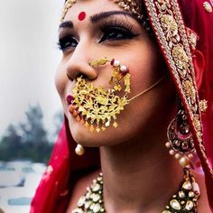 Every bride's dream is to rock her bridal look. And, that can happen when you know your bridal jewelry to compliment your bridal lehenga. Nath Nose Ring, Nose Ring Jewelry, Bridal Nose Ring, Nose Rings, Diamond Jewellery, Bridal Jewellery Inspiration, Wedding Jewelry, Costume Ethnique, Rajputi Jewellery
