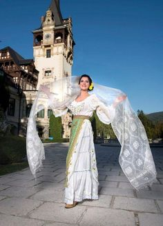 A beautiful shot of a traditional romanian costume in front of the Peles Castle. The costume belongs to Maria Dragomiroiu, one of the greatest Romanian Folk Singers. Traditional Fashion, Traditional Outfits, Romanian Women, Peles Castle, Still In Love, Eastern Europe, Beauty Women, Beautiful People, Costumes