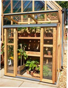 Upright cold frame or greenhouse for smaller spaces Garden Trellis, Garden Planters, Wooden Greenhouses, Backyard Buildings, Garden Structures, Growing Herbs, Urban Farming, Outdoor Projects, Dream Garden