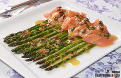 Espárragos Verdes Con Salmón Ahumado Y Aderezo De Mostaza | Gastronomía & Cía