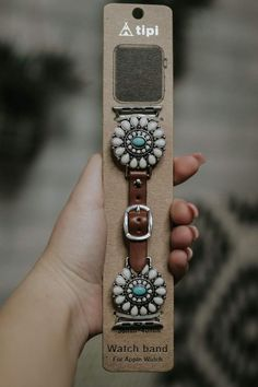 Western Apple Watch Band w/ White & Turquoise – DawnTayler Boutique Apple Watch Fashion, The Bling Ring, 5 Elements, Apple Watch Accessories, Girls Accessories, Beautiful Watches, Watch Brands, Quartz Watch, Fashion Watches