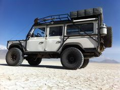 White Pig :: 0 Land Rover D110 300tdi - Defender Source