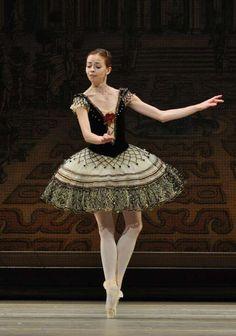 Ekaterina Krysanova, in the Grand Pas from Paquita, Bolshoi Ballet