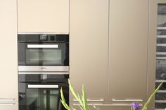 Our new Sand Beige Aluminium Display is complete! Come and see it at bulthaup Winchester. Bulthaup Kitchen, Kitchen Appliances, Kitchens, French Door Refrigerator, Dining Area, Kitchen Remodel, Beige, Gold, Interior Design