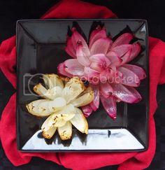 Onion Flowers | Once Upon a Cutting Board Watermelon Fruit Pizza, Watermelon Art, Watermelon Carving, Fruit Salads, Onion Flower, Bloomin Onion, Riced Veggies, Food Substitutions, Food Garnishes