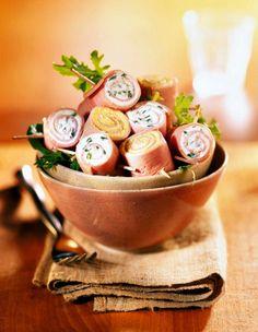 Rulouri de şuncă asortate - Retete culinare - Romanesti si din Bucataria internationala Halloumi Burger, Bacon, Goodies, Dairy, Pizza, Cheese, Recipes, Food, Sweet Like Candy