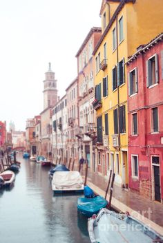 Venice, Italy. A rainy afternoon. Photo by Sonja Quintero
