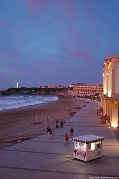 La Grande plage nocturne - #Biarritz #France . The large night beach