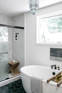 Dreamy Bathroom & Kitchen Remodel Ideas Is a Must in Summer Homes Latest Interior Design Ideas. Best European style homes revealed. The Best of home interior in Mold In Bathroom, White Bathroom, Bathroom Interior, Small Bathroom, Bathroom Goals, Bathroom Cabinets, Bathroom Ideas, Restroom Cabinets, Bathroom Bench