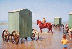 En anden tradition er badevognene, som køres ud ved Fanø Strand.