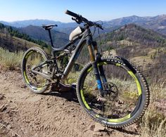 """The Reynolds 27.5 Enduro Carbon wheels sport an asymmetric rim design, which """"allows more even spoke tension for increased durability and ride quality,"""" according to Reynolds."""