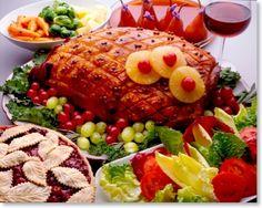Typical Aussie Christmas Lunch - Ham off the bone, prawns and salads Christmas Ham Recipes, Christmas Desserts Easy, Easter Recipes, Turkey Recipes, Meat Recipes, Recipies, Dessert Recipes, Christmas Decorations, Aussie Christmas