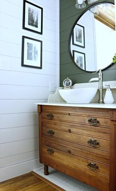 I'm excited to share my most recent chat with Wayfair and bring you some tips, trends and inspiration for a bathroom refresh. Modern Master Bathroom, Bathroom Red, Simple Bathroom, Vanity Bathroom, Vintage Bathroom Vanities, Bathroom Ideas, Bathroom Inspo, Shower Ideas, Lavabo Vintage