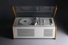 turntable designed by Dieter Rams for Braun