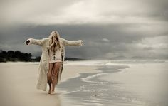 I absolutely love this photo. Taken in Byron Bay, my favorite place in the world, even on a cloudy day. Indie, And So It Begins, Am Meer, Girly Quotes, Favim, Gypsy Soul, Byron Bay, Strand, Surfing