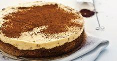 Torta tiramisu - dôkladná príprava krok za krokom. Recept patrí medzi tie najobľúbenejšie. Celý postup nájdete na online kuchárke RECEPTY.sk.