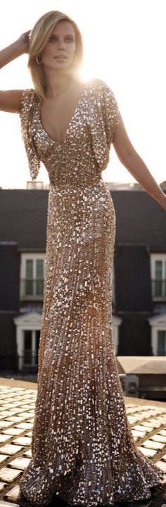Beautiful.... it would look much better if the model wasn't so skinny.