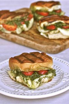 Grilled Chicken Pesto Sliders - The Hopeless Housewife®