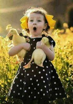 Ducklings are so cute. Funny Kids, Cute Kids, Cute Babies, Animals For Kids, Baby Animals, Cute Animals, Precious Children, Beautiful Children, Cute Children