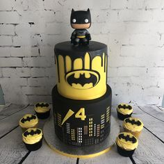 Batman cake Made by Mel