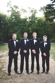 the most perfect day. stephanie parsley photography. the barn at twin oaks ranch. arkansas bride. groomsmen.