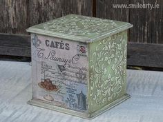 box in style decorated with Can be used for tea, sweets or accessories and different small things. It's a unique present for people who like effects. Vintage Box, Vintage Style, Unique Presents, Decoupage, Decorative Boxes, Arts And Crafts, Ageing, Small Things, Handmade Gifts