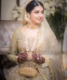 Tips For Planning The Perfect Wedding Day – Cool Bride Dress Pakistani Bridal Jewelry, Bridal Mehndi Dresses, Nikkah Dress, Pakistani Wedding Dresses, Indian Wedding Outfits, Bridal Outfits, Bridal Lehenga, Indian Bridal, Shadi Dresses