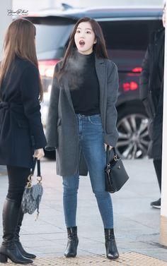 On best korean fashion outfits ! Korean Airport Fashion, Korean Fashion, Blackpink Fashion, Fashion Outfits, Petite Fashion, Curvy Fashion, Fashion Trends, Red Velvet Irene, Velvet Fashion