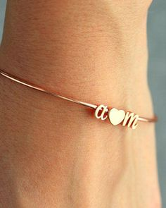 Cursive Initial & Heart Bangle Bracelet - Initial Custom Bridal Gift Personalized Bridesmaid Wedding Initials Gold Silver Rose Gold by TomDesign on Etsy thebangles The Bangles, Diamond Bracelets, Gold Bangles, Bangle Bracelets, Bracelet Charms, Bracelet Set, Bracelets En Argent Sterling, Sterling Silver Jewelry, Gold Jewelry