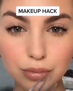 Nose Makeup, Contour Makeup, Eyebrow Makeup, Skin Makeup, Makeup Art, Contour Kit, Eye Contour, Highlighter Makeup, Makeup Brushes