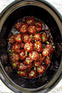 Cranberry Meatballs (Crockpot) top view of meatballs in crockpot showing how to cook cranberry meatballs recipie Crockpot Recipes, Cooking Recipes, Healthy Recipes, Cranberry Meatballs, Crock Pot Meatballs, Spicy Meatballs, Chicken Meatballs, Bbq Chicken, Kung Pao Chicken