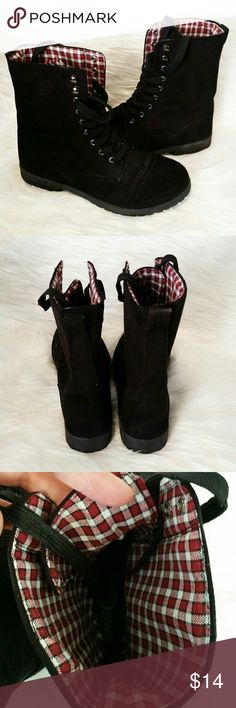 Rue 21 Lace up/combat boots Comfortable and clean!! Fashionable. Great condition. Pair with jeans, leggings, or shorts!! Rue21 Shoes Lace Up Boots