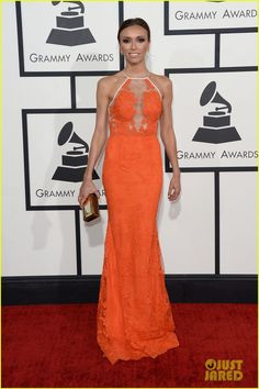louise roe guiliana rancic grammys 2014 red carpet 01 Louise Roe and Giuliana Rancic are two gorgeous gals on the red carpet at the 2014 Grammy Awards held at the Staples Center on Sunday (January 26) in Los Angeles.…