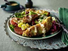 Unser beliebtes Rezept für Avocadoschnitzel auf Salat und mehr als 55.000 weitere kostenlose Rezepte auf LECKER.de.