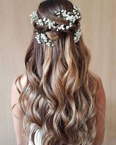 Beautiful simple and elegant wedding hairstyle for a boho bride. - - Beautiful simple and elegant wedding hairstyle for a boho bride. Beautiful simple and elegant wedding hairstyle for a boho bride. Elegant Wedding Hair, Wedding Hair Down, Wedding Hairstyles For Long Hair, Wedding Hair And Makeup, Down Hairstyles, Hair Makeup, Hairstyle Wedding, Hairstyle Short, Prom Hairstyles