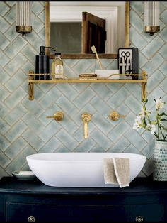 Best Inspire Bathroom Tile Pattern Ideas (68) #retrohomedecor
